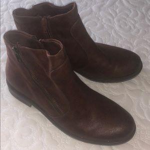 Baretraps brown booties size 8 1/2 M
